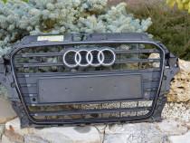 Grila radiator Audi A3 S3 s-line 8V3853651B/C