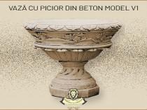 Vaza ornament cu picior din beton model V1.