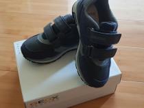 Geox adidas mărimea 28 băiat nepurtati ( au rămas mici)
