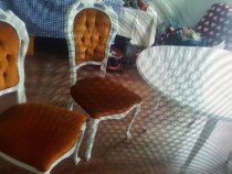 Masa lemn masiv alb vintage se desface rotund oval