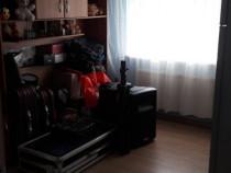 Apartament cu 4 camere  Bazar, strada Crișana!