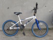 Bicicletă BMX