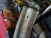 Stoc parapeți și stâlpi montare