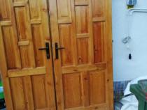 Uși lemn