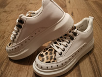 Adidași Alb Leopard