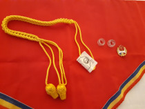 Cravată, Șnur ,Insignă, două inele Vintage epoca de aur