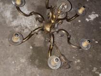 Lustra din bronz