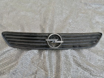 Grila radiator Opel Astra G