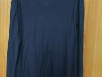 Bluză guler in V