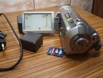 Camera video Panasonic sistem AVCHD cu card