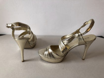 Sandale deosebite Guess, originale, din piele naturala la ex