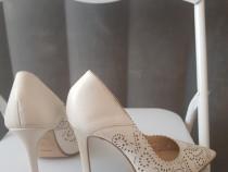 Pantofi toc dama, piele, mărimea 39.