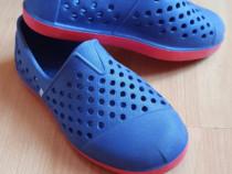 Sandale baietel mărimea 10