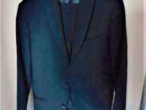 Costum barbat marca Zara