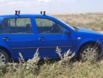 Mașină vw golf 4