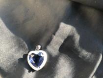 Medalion din argint cu piatra albastra