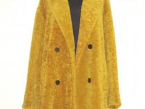 Zara Trafaluc, Palton nou, din blana artificiala