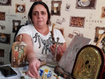 Claudia Neagu deschide cartea de tarot gratuit