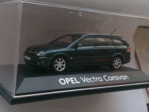 Macheta Opel Vectra C Caravan 2003 Break Kombi - Schuco 1/43