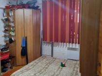Apartament 3 camere confort 1 decomandat zona zetarilor