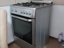 Mobila de bucătărie si aragaz inox