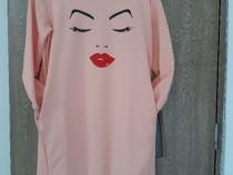 Bluza cu buze rosii