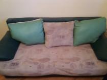 Canapea extensibila cu 3 perne mari