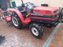 Tractor 4×4Mitubishi 28 cai 4 pistoane cu utilajele