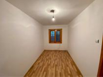 Apartament 2 camere Piata, parter, curte ingradita 50 mp