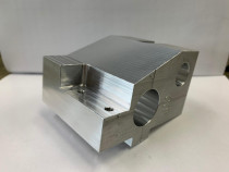 Realizare piese pe CNC