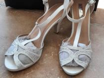 Sandale albe toc 5cm