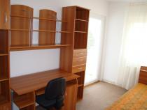 Apartament 4 camere central Scoala de Inot