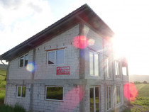 Casa in ROSU in sat Mintia, comuna Vetel, judetul Hunedoara