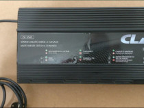 Stație de încărcare a 4 baterii CLASS OE2040 12V, 240W