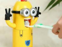 Dispenser pasta de dinti Minion, suport pentru 2 periute