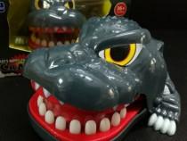 Jucarie funny pentru copii , dinozaur muscator cu dinti