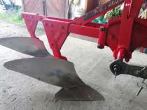 Plug pt. tractor de 45 cp. recent adus