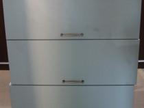 3 buc Dulap suspendat cu usa; Corp solid de perete