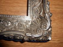 Rama din metal argintiu