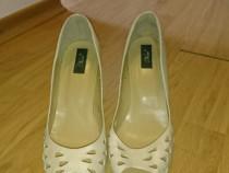 Pantofi piele deosebiti
