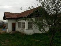 Casa  2 camere 60 m2 + teren intravilan 1.830 m2 budesti