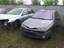 Dezmembrez Renault Laguna 1,6-16v Euro 3