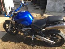 Yamaha MT 03 se conduce legal avand categoria A 2 , 2006