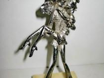 Statuieta mica vintage Casatoriti Indragostiti buchet Flori.