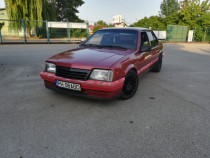 Opel Ascona C (auto epoca)