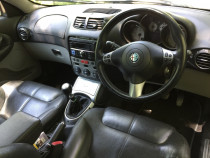 Interior piele neagra Alfa Romeo GT - scaune si banchete