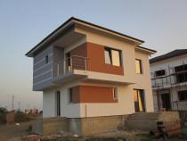 Casa cu 4 camere 3 bai P+1 cu 2 placi si 2 terase centru