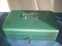 7539-Caseta bani metal cu cheie originala compartimentata.