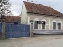 Casa pretabila spatiu comercial, loc Berivoi jud Brasov!!!