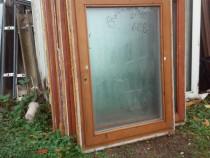 Uși și ferestre termopan pe tâmplărie de lemn